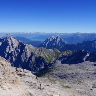 Grandiose Fernsicht auf den vergletscherten Alpenhauptkamm