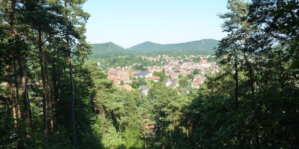 Im südlichen Pfälzerwald liegt das Schuhdorf Hauenstein.