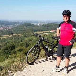Panoramaweg oberhalb Dettingen/Erms