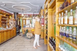 Der original eingerichtete Finsterwalder Kaufmannsladen von G. F. Wittke ist das Urbild eines Tante-Emma-Ladens.