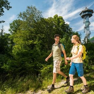 Wanderer am  Dreiländerpunkt