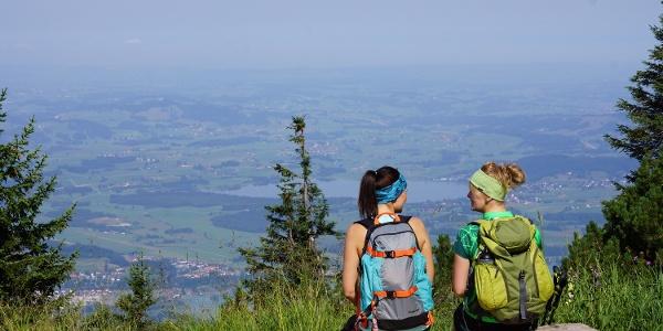 Wandern und Aussicht genießen