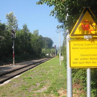 Bahnhof Rechtenstein - und die Warnhinweise der Bundesbahn!