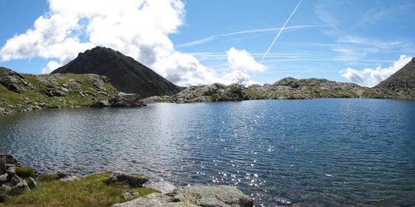 Trekking al Rifugio e Lago Corvo.