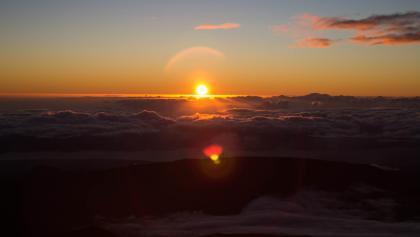 Lever du soleil depuis le Piton des Neiges