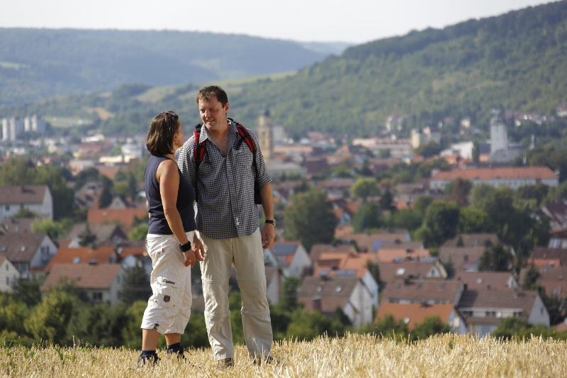Wanderer über Bad Mergnetheim