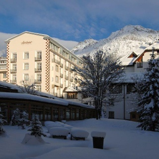 Hotel Schweizerhof im Winter2