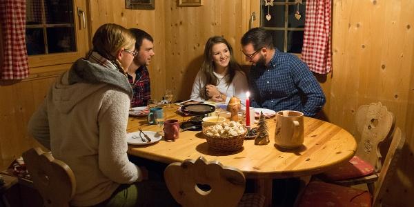 Das Alpkäse-Fondue von Dorli ist weit herum beliebt!
