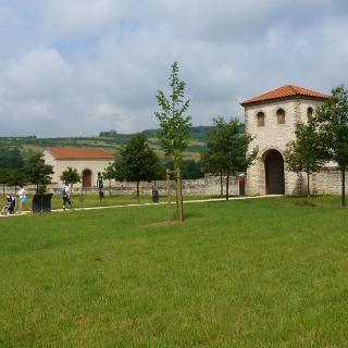 Das westliche Torhaus der Römischen-Villa
