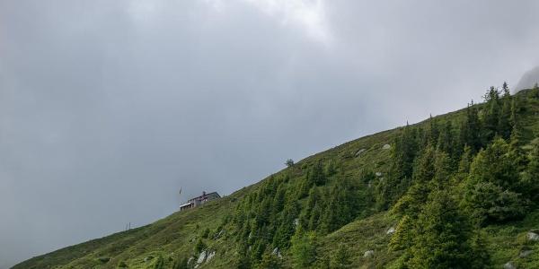 Kurz vor der Salbithütte, die oberhalb schon zu sehen ist