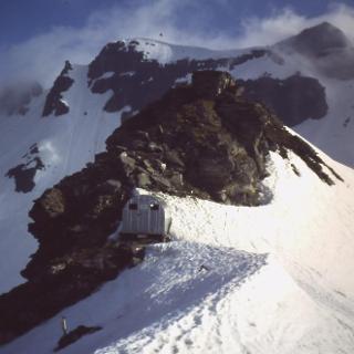 Biwakschachtel an der Feldseescharte (2714m)
