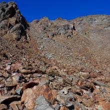 Schlußaufstieg zur Schnalser Scharte, rechts neben den Felsen