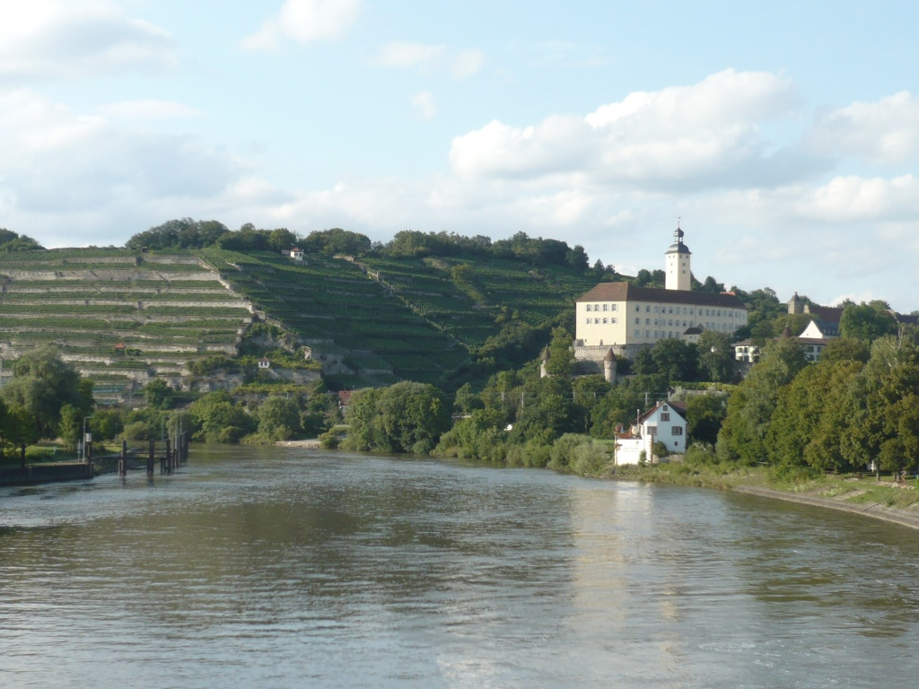 Schloss Horneck   - © Quelle: Touristikgemeinschaft Odenwald e.V.