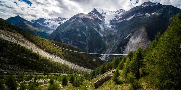 Europaweg avec le nouveau pont suspendu et un record du monde