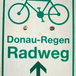 Markierung Donau-Regen-Radweg