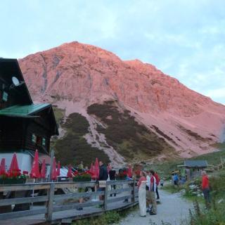 Alpenglühen an der Pfeishütte