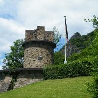 Das Ulanendenkmal oberhalb von Rhöndorf.