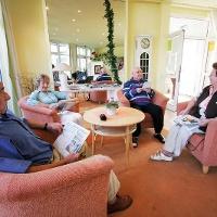 Seniorenrunde in der  Klinik Waldfrieden