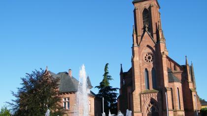 Die Katholische Pfarrkirche in Bad Bergzabern, die Taufkirche der heiligen Edith Stein.