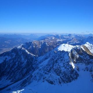 Karnische Alpen, Abschnitt Oberes und Mittleres Gailtal, Bildmitte Dobratsch