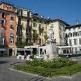 Die Piazza Ranzoni in Verbania-Intra stellt den Hauptplatz des Stadtteils dar.