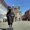 Pilgerstatue vor dem Speyerer Dom.