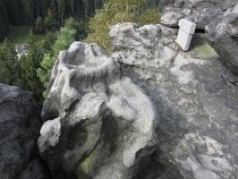 Foto schön gegliederter Fels nicht nur am Gipfelbuch