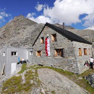 Die Bordierhütte auf 2886 m