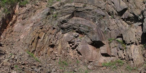Andesit-Felsenkugel Steinbruch Hellerberg