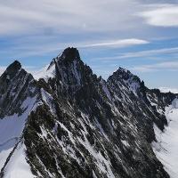 Blick auf das Stecknadelhorn, das Nadelhorn und die Lenzspitze