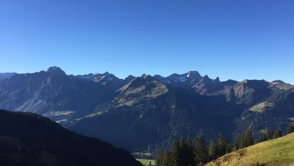 Blick in die Berge des Bregenzerwaldes vom Startpunkt der Tour