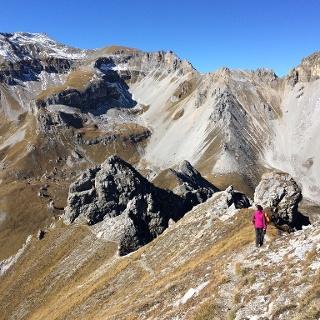 Im Abstieg mit Blick zur Kesselspitze.
