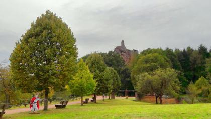 """Das """"Chateau du Fleckenstein"""" im Herbst"""