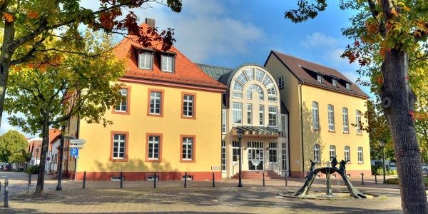 Jägerhaus mit Hasenbrunnen