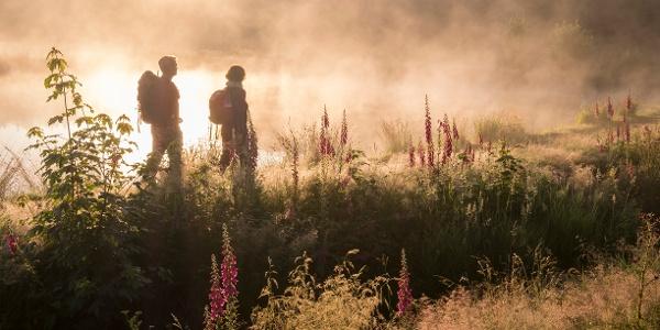 Wandern bei Sonnenaufgang