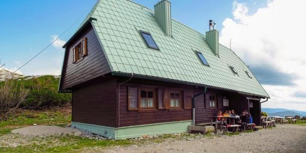 Neue Seehütte des ÖTK, Nordseite mit Eingang