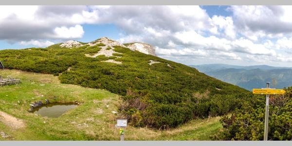 Panorama mit Seehütte des ÖTK und Preinerwand