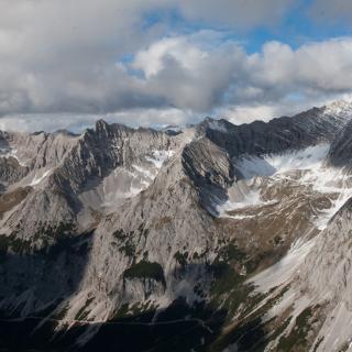 Ausblick von Gipfel Richtung Samertal