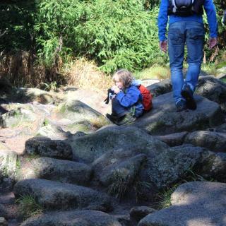 Weg über Steinbrocken