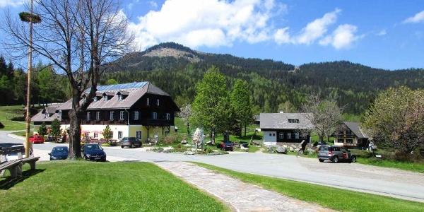 Glashütten, Alpengasthof, Geopark, alte Volksschule, Glashüttenkogel
