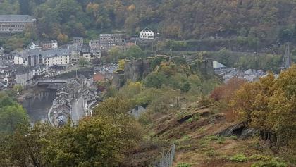 uitzicht op de ruïne van La Rouche en Ardenne