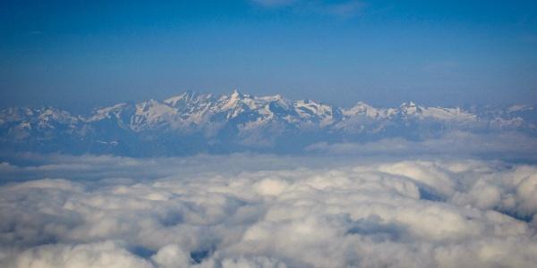 Blick vom Hochkönig zu den Hohen Tauern mit Großglockner (3798 m)