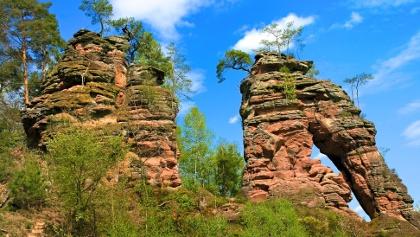 Der Schillerfelsen auf dem Dahner Felsenpfad