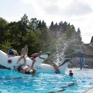 Badespaß im Freibad Klosterreichenbach