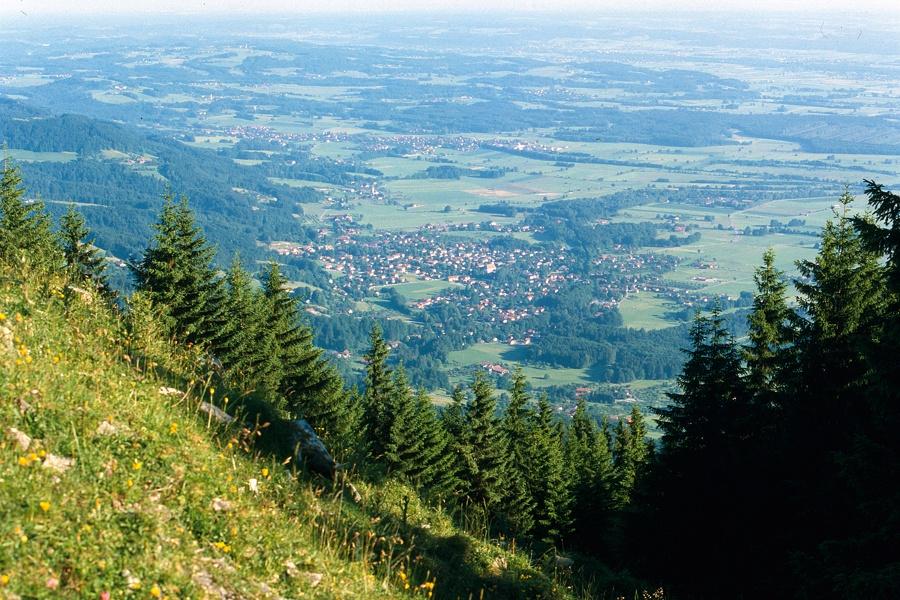 Blick vom Farrenpoint auf das Inntal-©Autor: Stephanie Vorleitner , Quelle: Kur- und Gästeinformation Bad Feilnbach