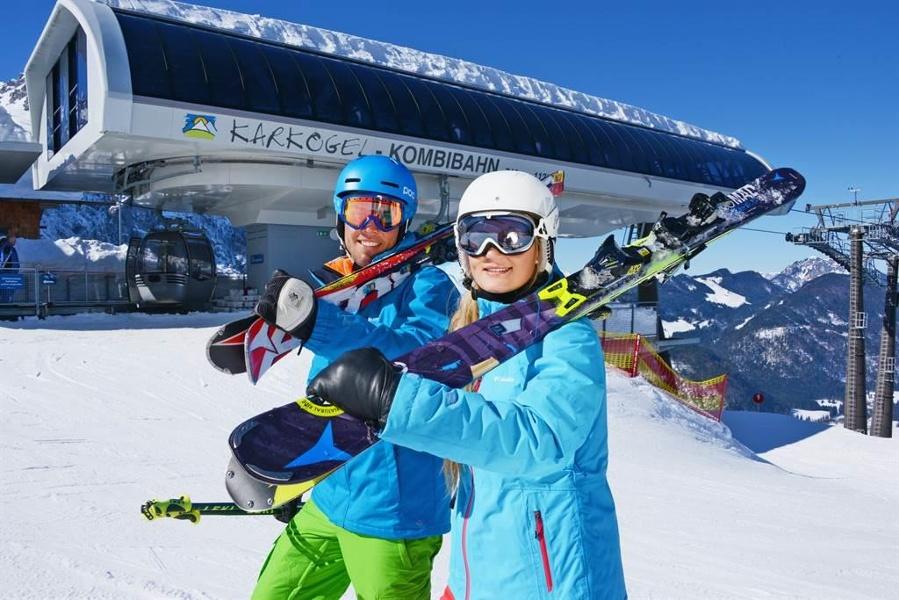 Skifahre in Abtenau