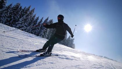 Skifahren bei Sonnenschein