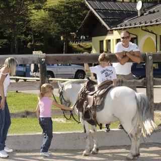 Centro equitazione Andalo