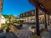 Stilvoller Schlosshof  - @ Autor: Beate Philipp  - © Quelle: Hotel Restaurant Schloss Döttingen