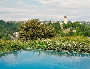 Blick vom Panorama Bad Stromberg auf die Stromburg (Foto: Peter Bender, Quelle: Tourist-Information Stromberg)